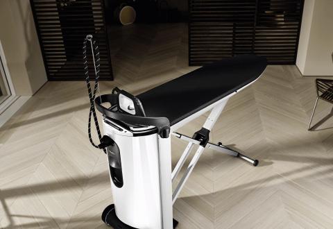 3в1: утюг, отпариватель, гладильный стол